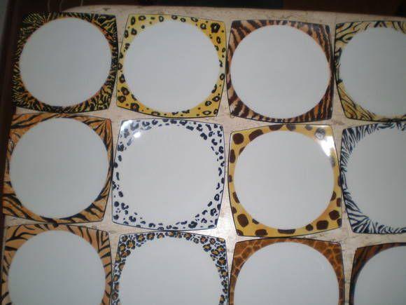 Pratos em porcelana pintados à mão em motivo animal. Valor unitário sendo a encomenda mínima, 4 pratos. <br>Podemos executar seu projeto de aparelho completo, ou adicionar algumas outras peças. Consulte-nos se houver interesse.