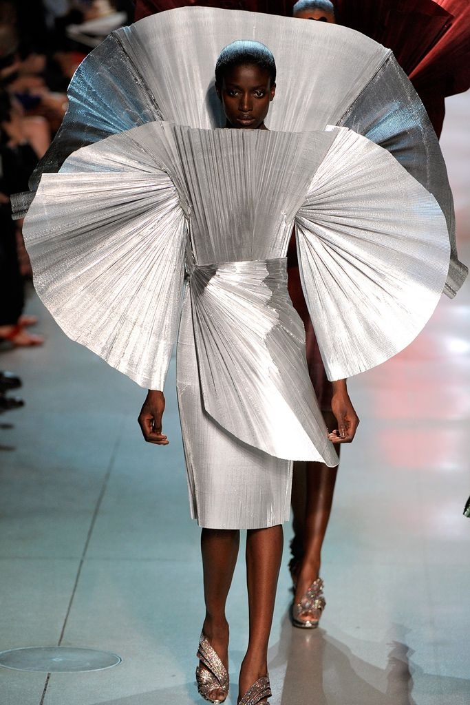 Paco Rabanne Spring 2012 Ready-to-Wear - Collection - Gallery - Style.com