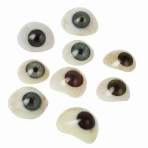 How to Make Eyeballs From Polymer Clay thumbnail