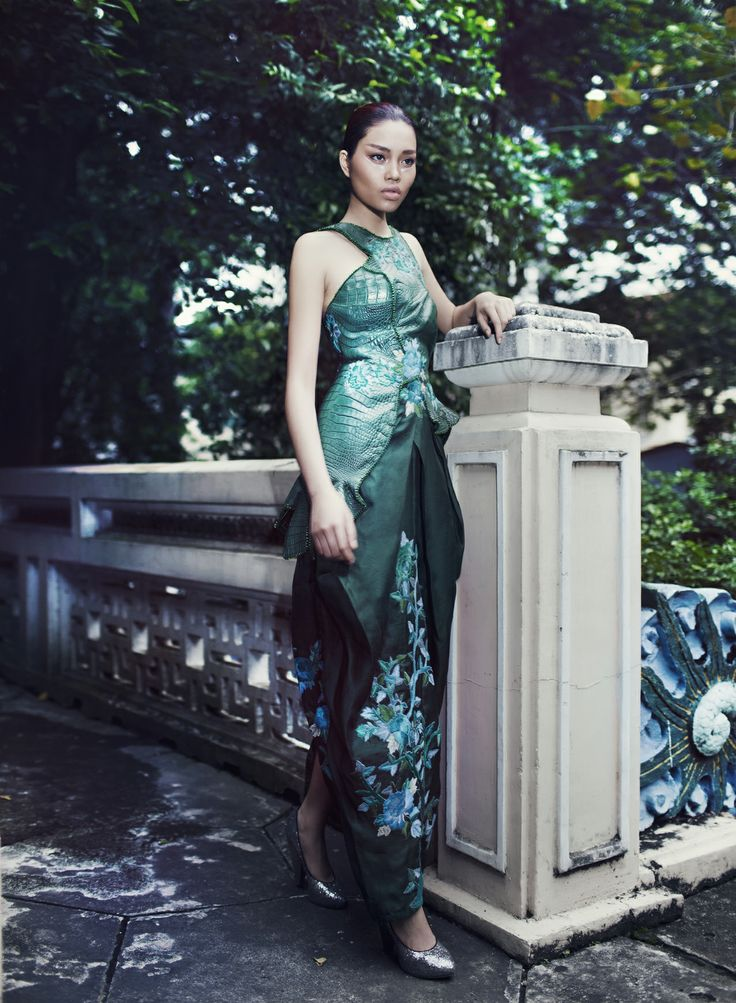 Minh Hanh. Crocodile leather Collection Designer: Minh Hanh. Photo: Zuki Nguyen. Model: Tuyet Nguyen