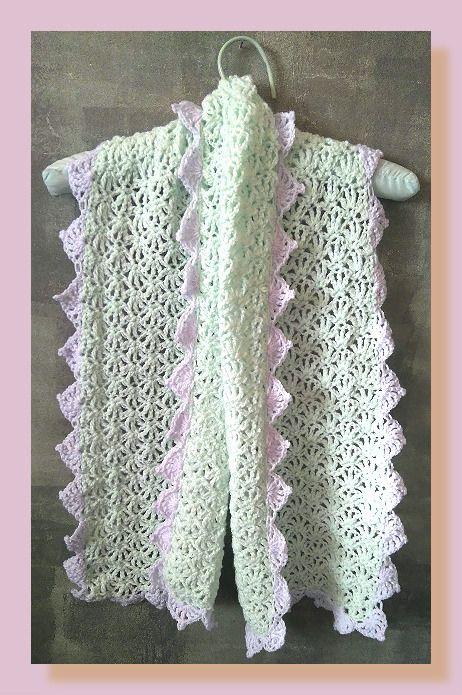écharpe femme en laine vert clair et lilas au crochet : Echarpe, foulard, cravate par chely-s-creation