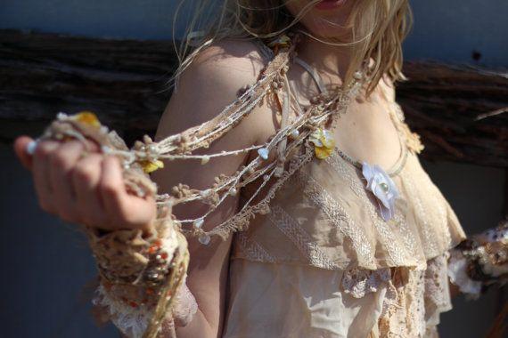 In rilievo del pizzo Shabby chic partito spiaggia di RawHemline