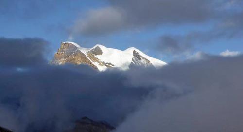 Cronaca: #Nepal #valanga #colpisce alpinisti sul Himlung Himal (7.126 m). Disperso uno sherpa (link: http://ift.tt/2d64jKF )