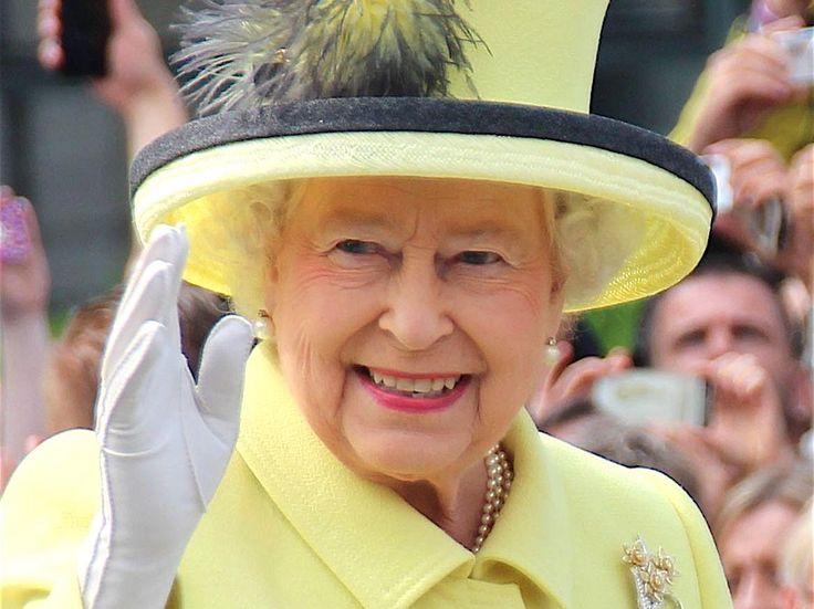 Un año más de reinado y de vida para Isabel II.