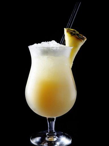 lait de coco, citron, sucre vanillé, crème liquide, jus d'ananas, rhum, cannelle