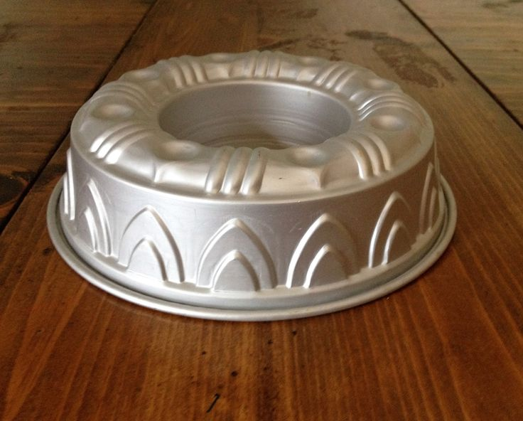 MidCentury Aluminum Ring Cake Bundt Jello Mold French Style Fluted Round Kitchen 1950s MidCentury Mid Century Bakeware Cookware Baking Metal by Piklandia on Etsy