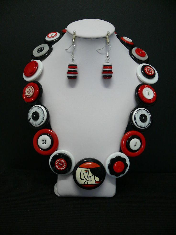 Red, White & Black Handmade Ladies Button Necklace & Earring Set
