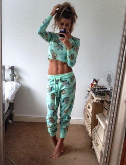 M s de 25 ideas incre bles sobre pijama en pinterest for Viejas en ropa interior