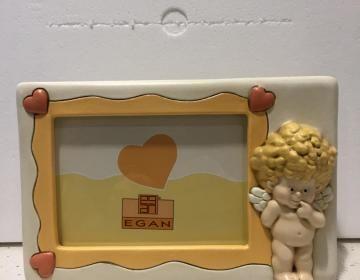 Cerca | Elisa - Regali, Bomboniere e articoli per la casa  Portafoto in ceramica con angelo prodotto in Italia da Egan.  Ottimo come regalo per Battesimo