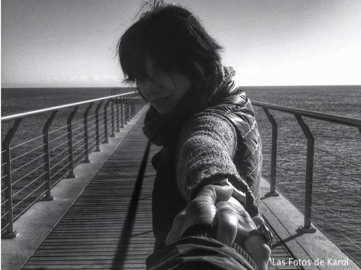 Yo aqui y tu allí. #mar #blancoynegro #puentes
