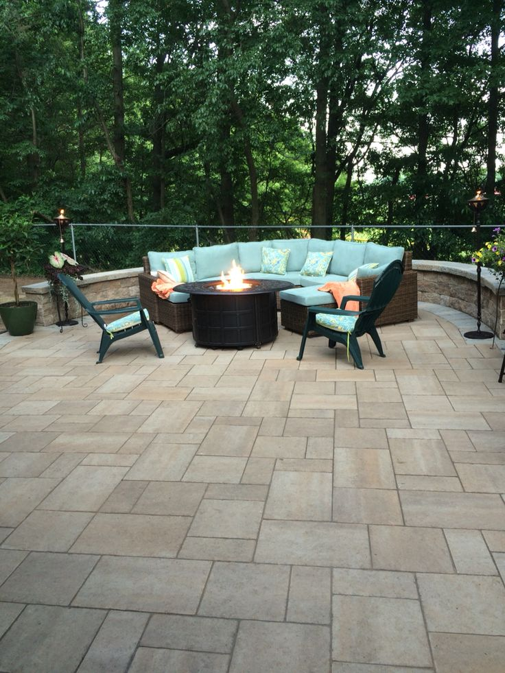 Techo Bloc ( harvest gold, Champlain grey) and Echo beach pier one http://www.futurescapeinc.com/
