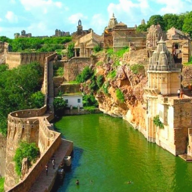 Benteng Chittorgarh, India//In need of a detox? 10% off using our discount code 'Pin10' at www.ThinTea.com.au