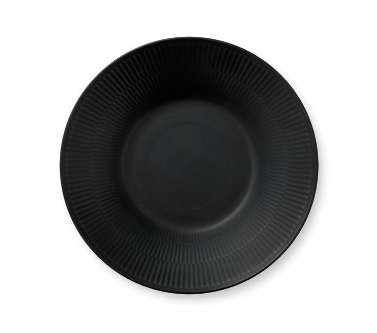 Black Fluted Deep plate 24 cm