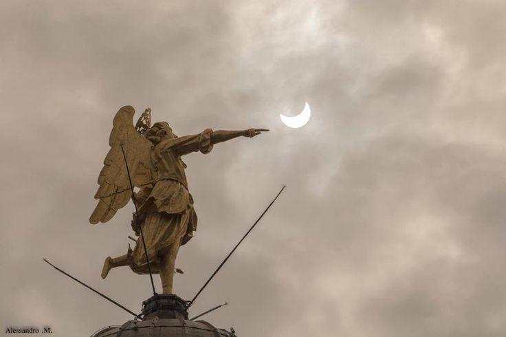 L'Angelo e il Sole a #Udine #eclissi https://www.facebook.com/photo.php?fbid=10206255300330855&set=gm.1570498203201628&type=1&theater … @messveneto @FVGlive