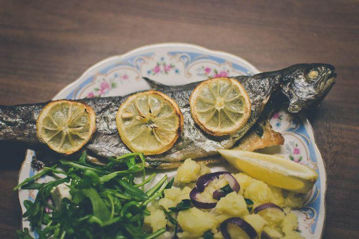 Pstruh dúhový upečený v rúre #medvedicesnak #pstruh #lemon #rukola #wildgarlic #yummy #recipe #fish #trout #baked