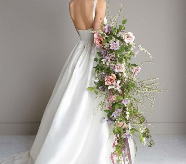 4-bouquet-de-mariée-original-grand-bouquet-retombant