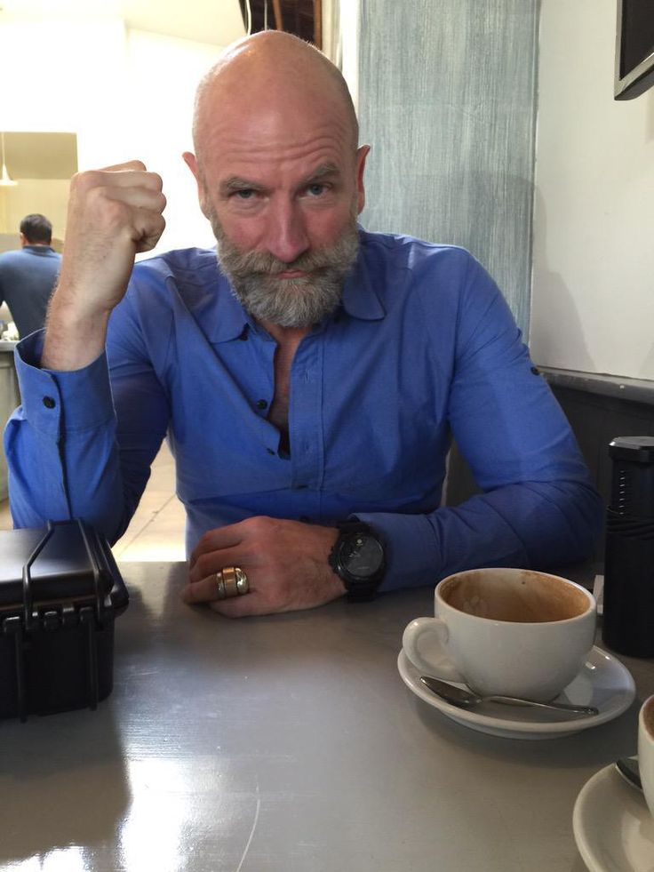 Graham McTavish.  Such a very handsome man.  And that's BEFORE he speaks.....