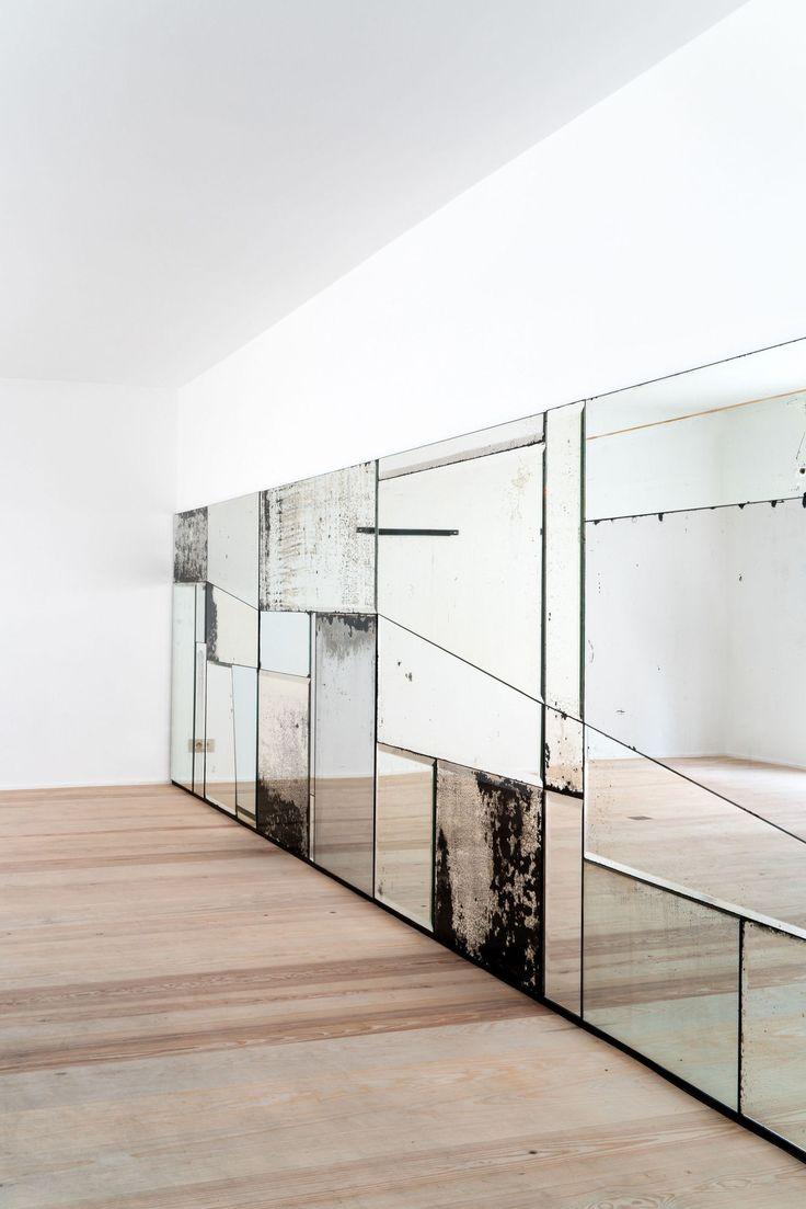 Interieurarchitecte Élise Van Thuyne stelt eerste karaktervolle meubelproject voor: Armoirés