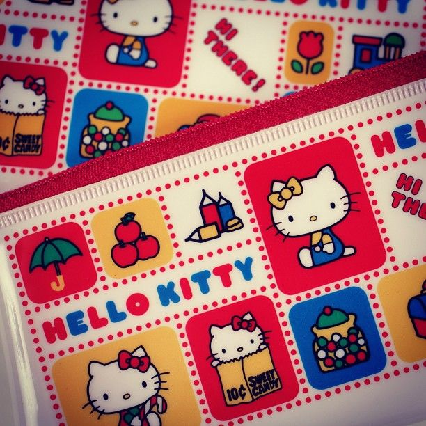 HI THERE! It's a retro #HelloKitty pencil pouch. #FlashbackFriday