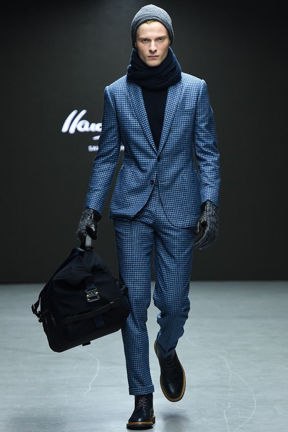 Hardy Amies Fall 2015. One of many inspirations for us see more here: ambitious-shoes.com/ #fashion #clothes #shoes #style #menswear #outfit #streetfashion #mensfashion #streetstyle #Footwear #ambitious #design #leathershoes #ambitiousmood #ambitions #ambitiousshoes #colourfullshoes