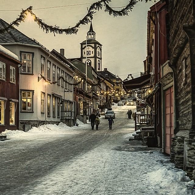 Rørosmartnan winter fair is coming up. Every year the old mining town is invaded by 75,000 visitors, ready to put Røros all up side down.
