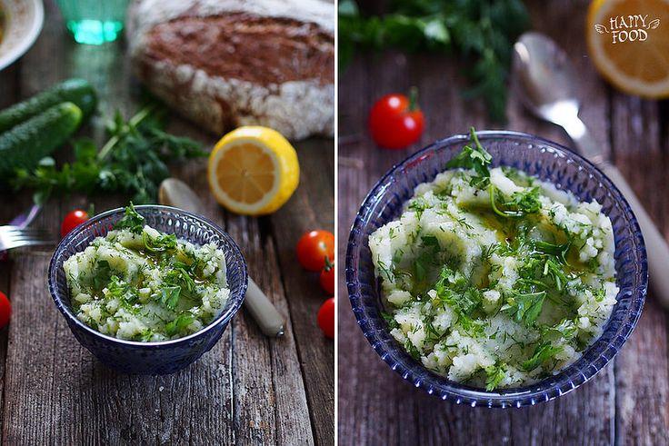 Чесночное картофельное пюре с маслом, лимоном и зеленью - HAPPYFOOD