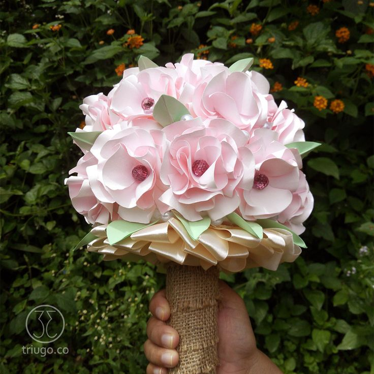 Let me be a part of your most precious moment, a Paper Flower Hand Bouquet... For further information please contact us!  CP; 📱WA/SMS : +6281312007192 📬 art.triugo@gmail.com
