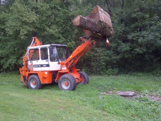 The week is almost done ! Enjoy this nice backhoe loader ... More on http://www.machineryzone.com/used/1/backhoe.html