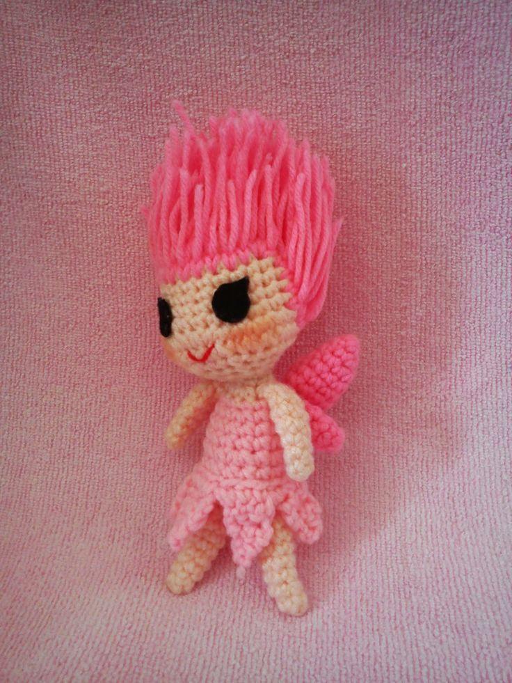 Tinkerbell Doll - Free Amigurumi Pattern ( Scroll Down below Peter Pan Pattern) here: http://duchessgala.blogspot.com.es/2014/01/pita-pan-no-bouken.html