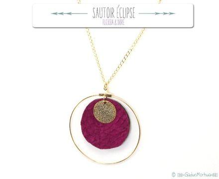 http://www.alittlemarket.com/collier/fr_sautoir_eclipse_cuir_de_poisson_-12911467.html