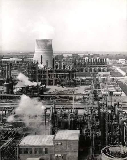 1960: Sarom Refining Companies - Photo by C'era una volta Ravenna on Facebook [ #ravenna #myravenna]