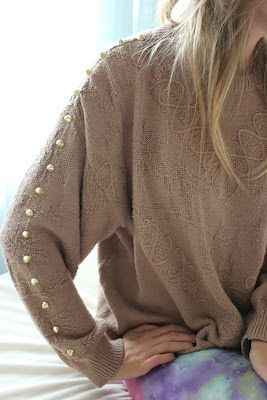 diy fashion (DIY Studded Sweater | littleblacksalmiak.blogspot.com)