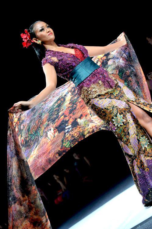 ANNE AVANTIE, batik colourful