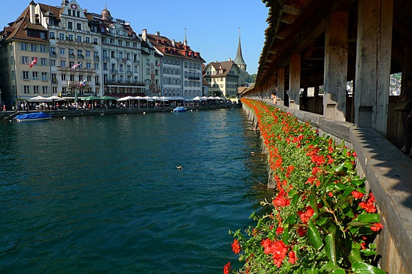 Chapel Bridge, Lucerne, Luzern,  Switzerland  One of the most heavenly places....