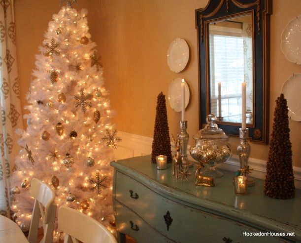 I do like white Christmas trees... I just can't bring myself to get one.