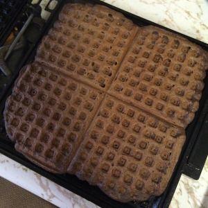 Chocolate Shakeology Waffles!