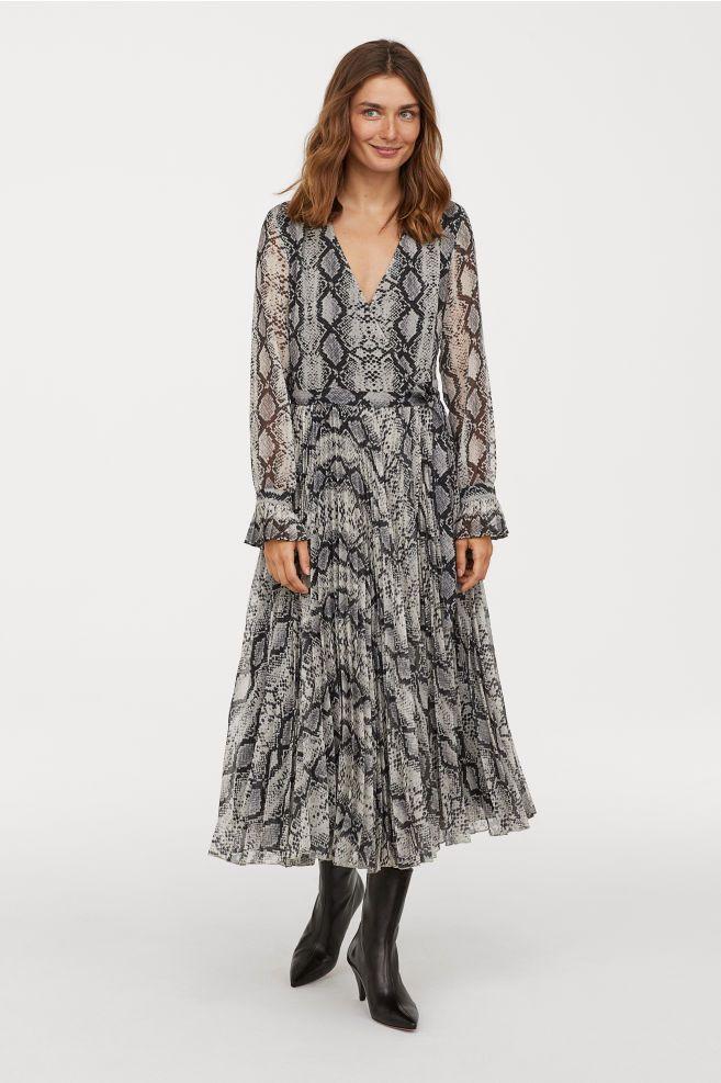 5c866e4423 Pleated Dress - Nat. white/snakeskin patterned - Ladies   H&M US 1