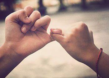 O mais velho te protege = Seja por um coração partido, seja por uma dor de dente, ou então alguma briga na escola, eles sempre estão ali para te socorrer. Um irmão é um amigo! E você pode contar por ele para qualquer coisa que você precisar! Em outros casos, você vai ter alguém para rir de você e te fazer sentir melhor nos momentos de tristeza.