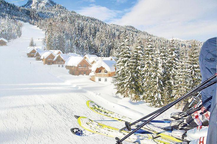 <P>Mit den Skiern bis vor das Ferienhaus - Lodge in Toplage! Genießen Sie die Philosophie des Resorts: An einem atemberaubenden Platz, direkt in der Natur, neben Kinderschischule, Langlaufloipe und Skipiste eine Oase der Ruhe und Entspannung zu schaffen.</P>