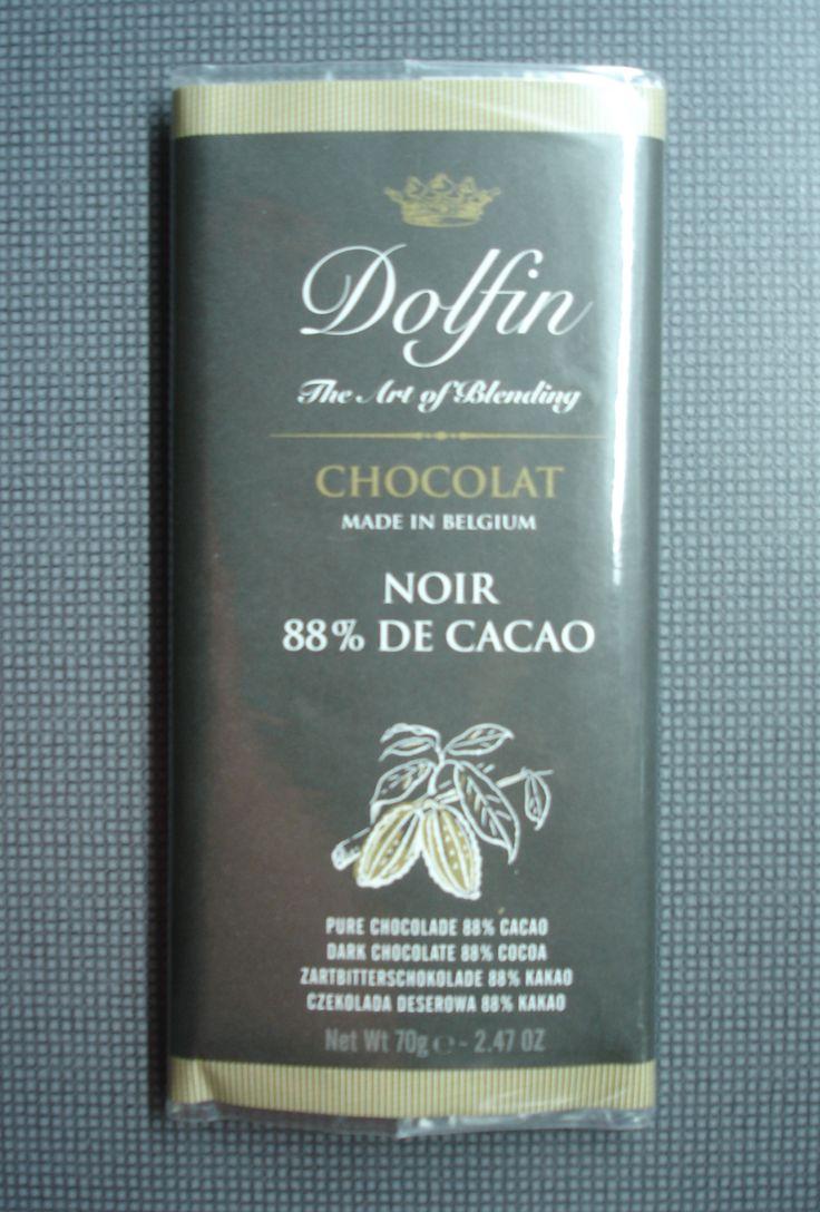 Dolfin 88%. Ingredients: Cocoa mass, low fat cocoa powder, sugar, emulsifier: SOYA lecithin.