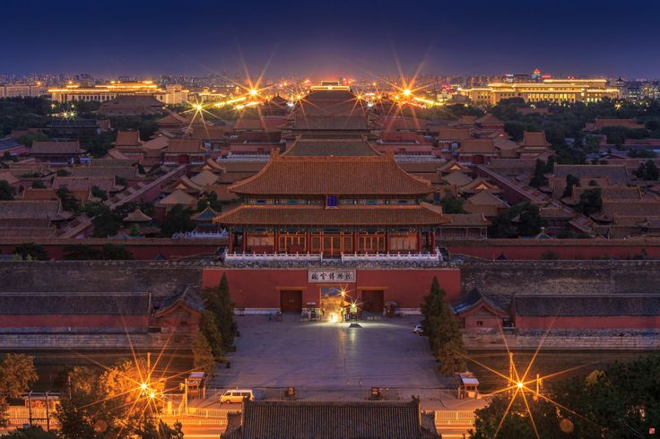 China. Peaceful Palace in Night City, Beijing // Bobby Chen