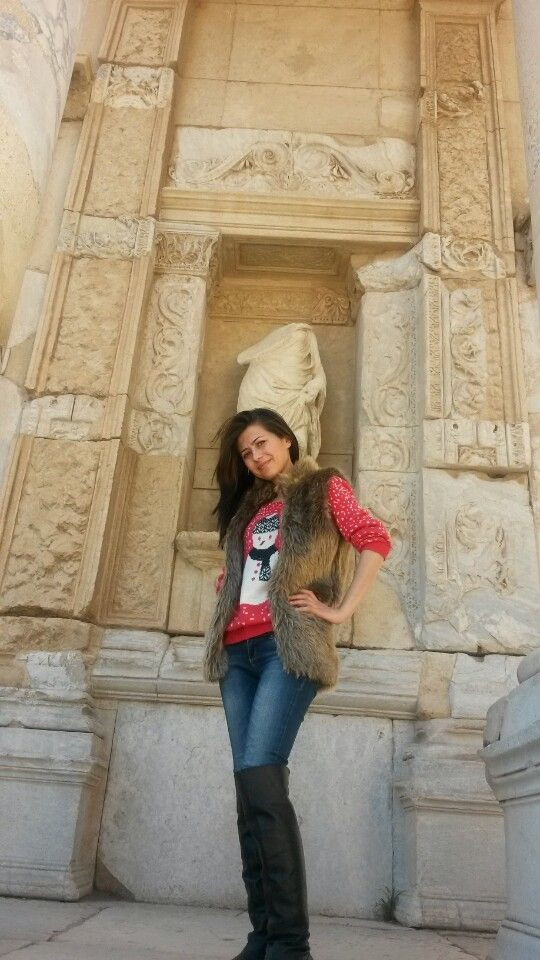 I want to see the monument over here.. Temple of Artemis at Ephesus