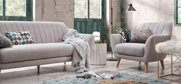 Sofa og lenestol modell OFF✨ www.mirame.no  #lenestol #stol #stue #sofa  #innredning #møbler #norskehjem #mirame #pris  #interior #interiør #design #nordiskehjem #vakrehjem #drømmehjem  #oslo #norge #norsk  #bilde #speilbilde #tre #metall #rom123  #nyheter #stoff #off #grå