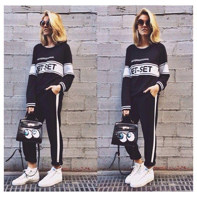 New #zoekarssen #sweater, @zatro_shop #novesta #sneakers ➕ @gewelboutique #bag