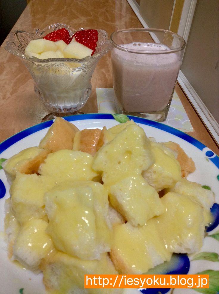 2015/03/05 朝食 コーンスープがけパンとミックスジュース