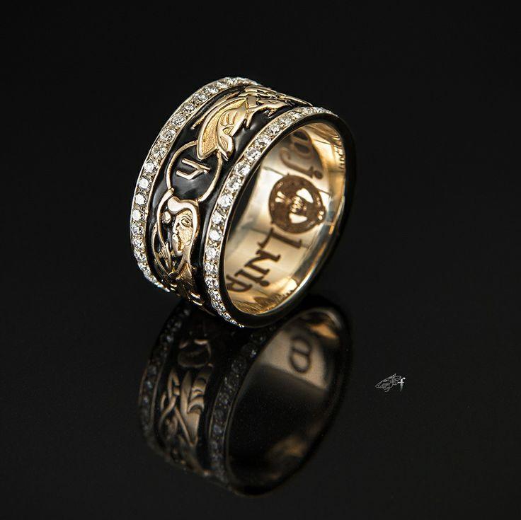 A ring with Scandinavian runes #franguebyzverev #yellowgold #gold #diamonds #enamel #ring #rings #jewerly #jewellery #jewelryformen #accessories #jewelrydesigner #jewelrygram /  Кольцо со Скандинавскими рунами #золото #жёлтоезолото #бриллиант #эмаль #кольцо #перстень #руны #ювелирныеукрашения #ювелирныеизделия #длямужчин #мужскиекольца #аксессуары