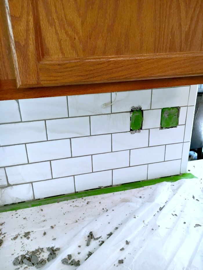 Great Tips And Tricks On How To Install Subway Kitchen Tile Kitchen Backsplash Inspiration Kitchen Remodel Kitchen Tiles Backsplash