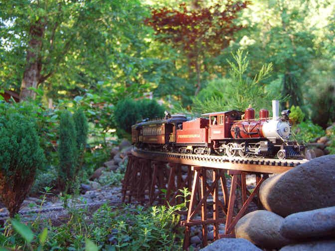 Columbia Gorge G-scale model rail way Garden Railroad trains