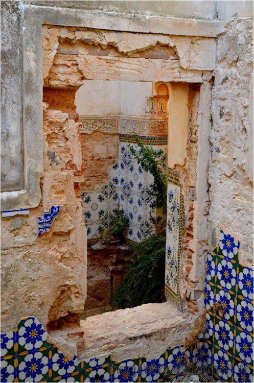 crumbling: Home Decor Style, Inspiration, Interiors Design, Spanish Tile, Beautiful, Spanish Style Home, Old Window, Floors Design, Ruins