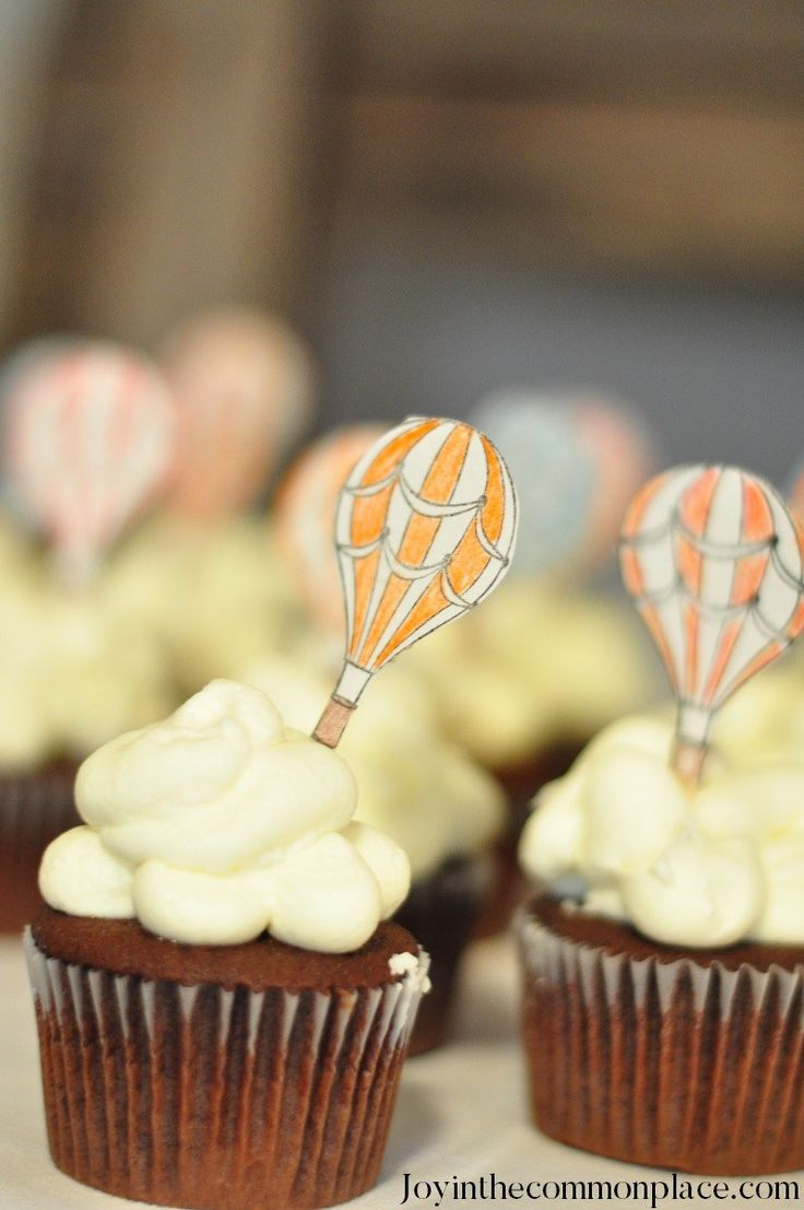 Cloud Cupcakes for a Vintage Hot Air Balloon Baby Shower